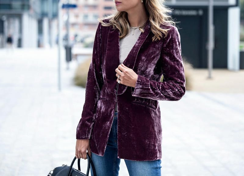 How To Wear Velvet In The Right Fashionable Way?